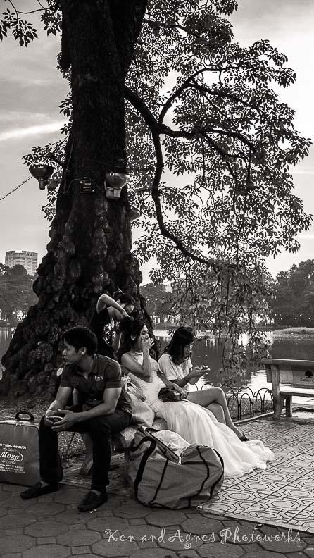 Wedding Photo Shoot at Hoan Kiem Lake KAP