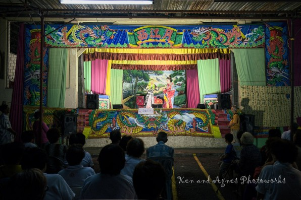 As part of the event's attraction and entertainment, visitors/devotees can enjoy the traditional Chinese opera performed nightly. Mainly appreciated by the older generation these days (you can tell from the audience present), this art form and performances is becoming something of a rarity these days, only featured in selected Chinese festivities by associations with sufficient funding to engage them. So, it was heartening to see the event organizers supporting and promoting it, hopefully, gaining more younger generation fans.