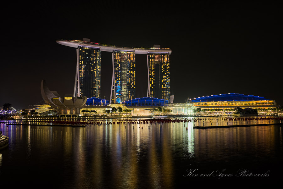 Singapore marina bay by night ken and agnes photoworks for Marina bay sands architecture concept